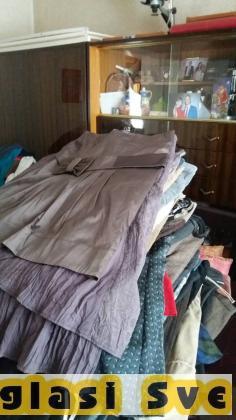 Prodajem oko 500 kg polovne garderobe