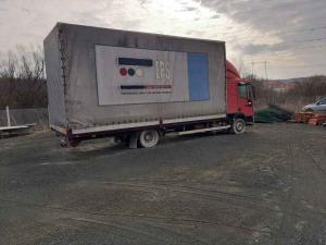 Iveco Tector Sa Prikolicom Za Prevoz Lake Robe 108 M3